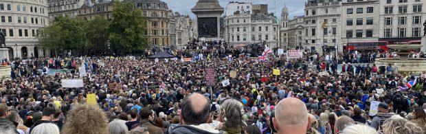 Kippenvel-beelden uit Londen: 'VRIJHEID! VRIJHEID!'