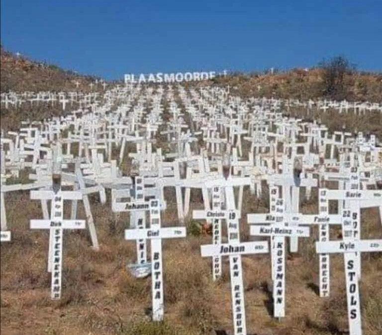 100 duizend bikers in Zuid-Afrika komen uit protest tegen boerderijmoorden, een wordt door de politie neergeschoten