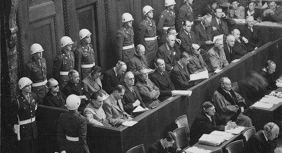 Verplichte vaccinaties zijn volgens de Nürnberg Code misdaden tegen de menselijkheid