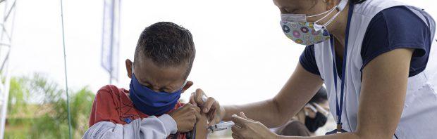 Meer problemen met coronavaccin AstraZeneca: tweede proefpersoon ziek