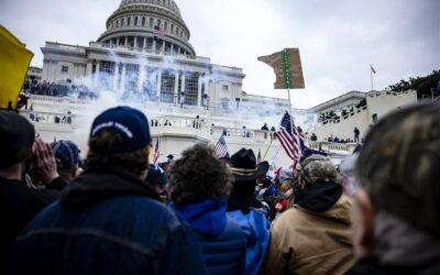 Martin Vrijland's voorspelling van burgeroorlog in de VS komt uit: bestorming Capitool livestream / Naturalnews beweert dat de bestorming van het Capitool een Antifa false flag is (en komt met bewijs)