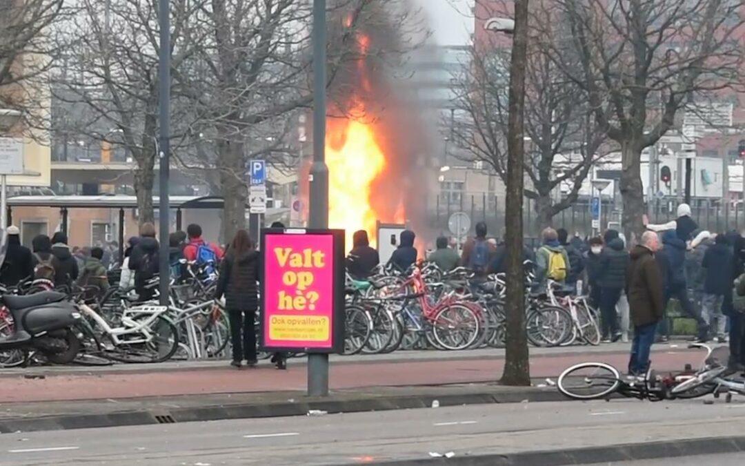 """""""Oproepen op social media om te gaan rellen"""", waarom werkt de censuur ineens niet? / Steeds meer mensen krijgen door dat we in de maling genomen worden: rellen in scene gezet"""